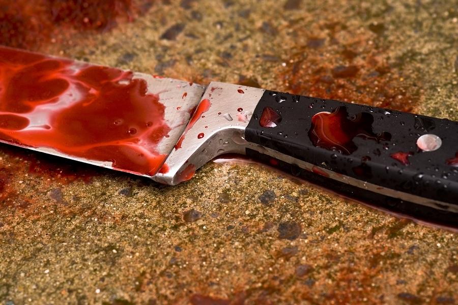 На Тячівщині п'яний чоловік вбив свою дружину ножем прямо в серце