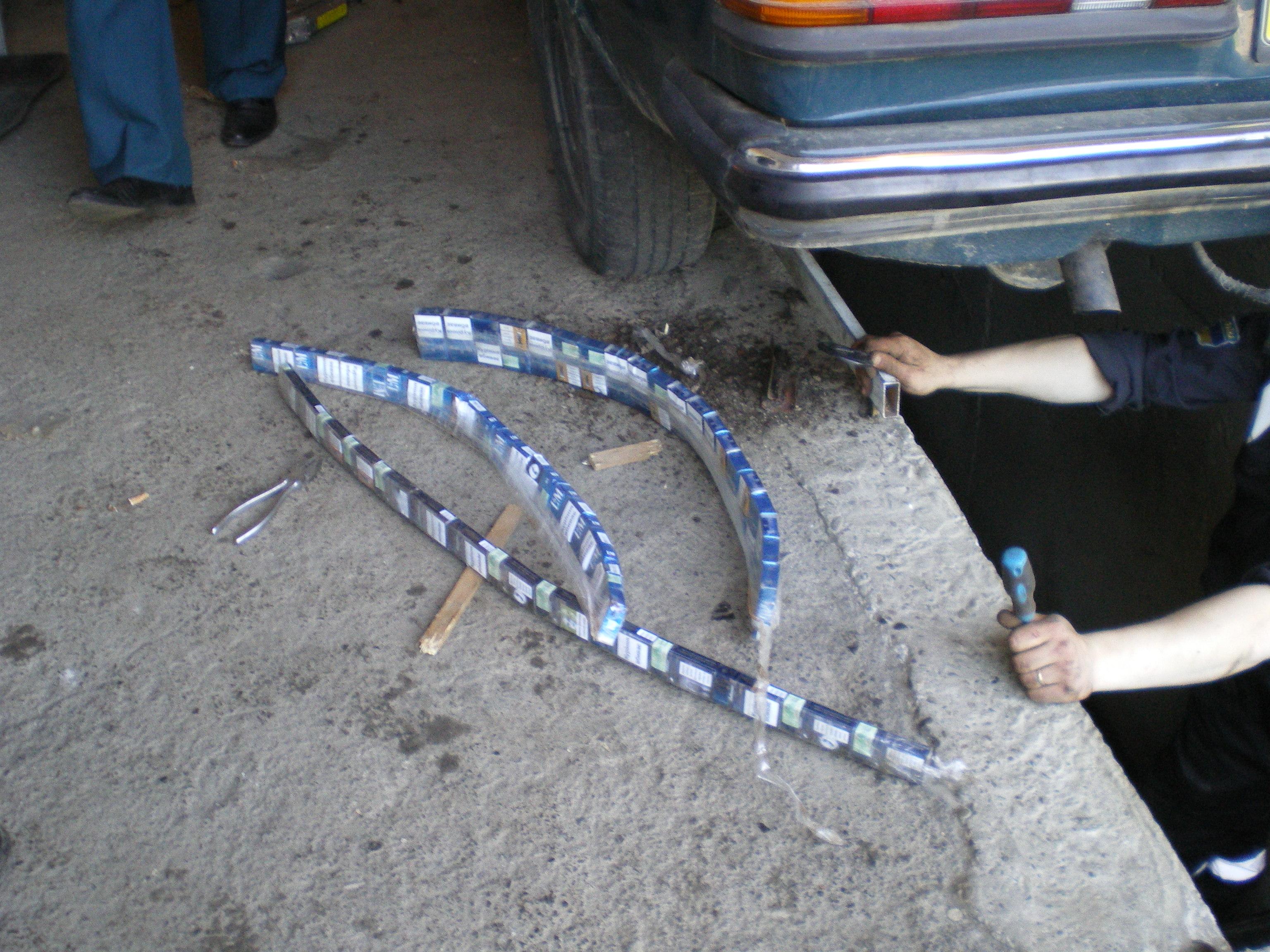 Закарпатські митники вилучили 722 пачки контрабандних цигарок