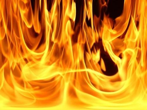 Рятувальники гасили пожежу у центрі Мукачева