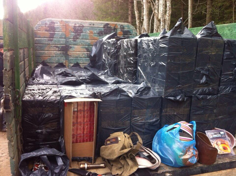 Порушено кримінальне провадження щодо осіб, які перевозили понад 100 тисяч контрабандних цигарок