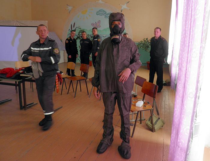 На Ужгородщині діти знайомились з професією рятувальника