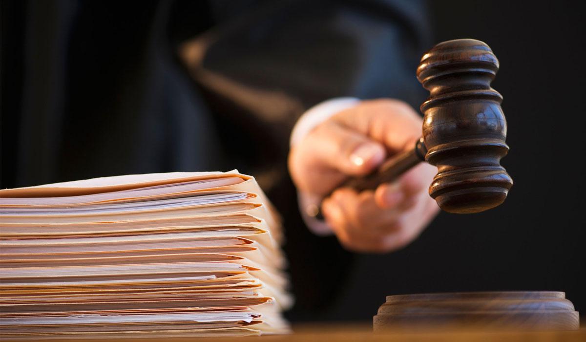 П'яний чоловік влаштував скандал у залі суду та погрожував судді фізичною розправою