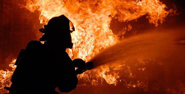 Під час пожежі у Буштині постраждала молода мама та її донька
