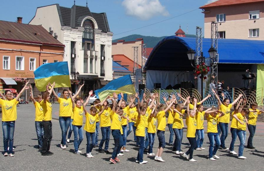 У Хусті стартував фестиваль людей із особливими потребами «Долина нарцисів»