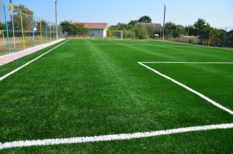 У Іванівцях на Мукачівщині планують збудувати новий спортивний майданчик зі штучним покриттям