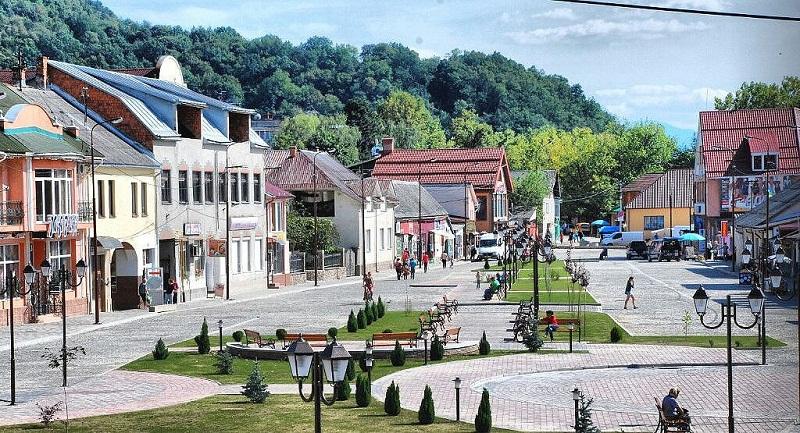 """Хуст лідирує у фінальному голосуванні """"7 чудес України: історичні міста та містечка"""""""