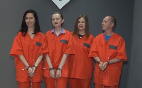 Нова розвага закарпатців: втеча із в'язниці або з лігва маніяка