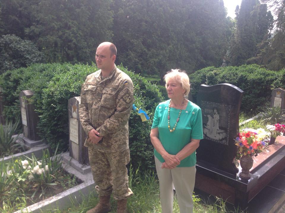 В обласному центрі освятили пам'ятники загиблим у зоні АТО ужгородцям
