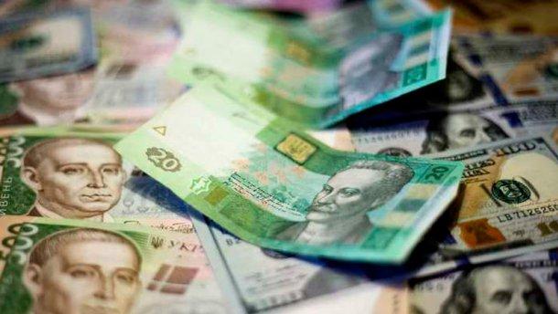 Відразу три резонансні пограбування у Мукачеві: зловмисники вкрали понад півмільйона гривень