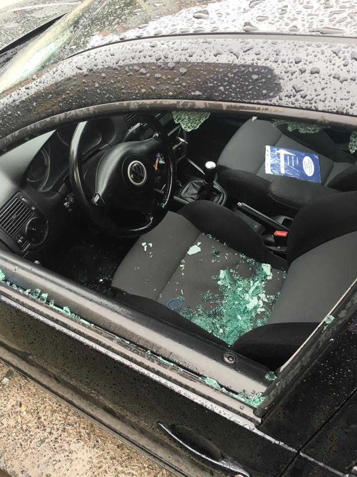 Помічнику народного депутата цієї ночі в Ужгороді розбили бокове скло на автомобілі