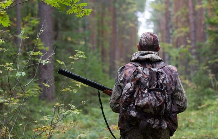 Вбивство сталось під час полювання: оприлюднено прізвища вбитого поліцейського та підозрюваного депутата