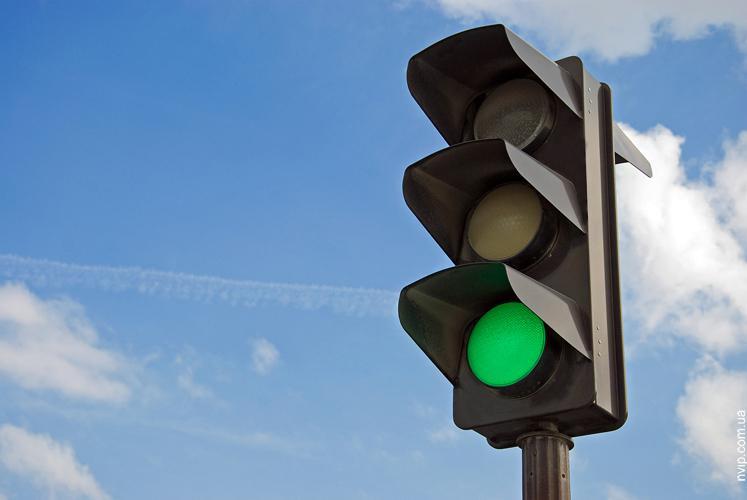 У центрі Ужгорода встановили ще один світлофор