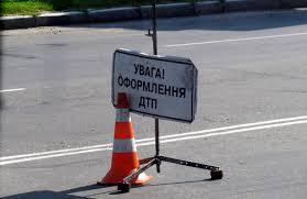 Горе-водій із Закарпаття не впорався з керуванням та залетів у кювет по дорозі на Київ