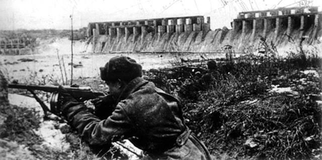 Пам'ять жертв війни у Мукачеві вшанують загальноміською хвилиною мовчання
