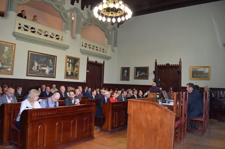 У Мукачеві депутати зібрались на чергову сесію міськради