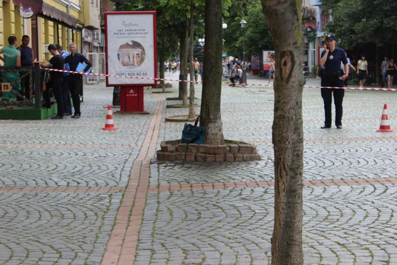 У підозрілій сумці, через яку перекрили центр Мукачева, шукали вибухівку