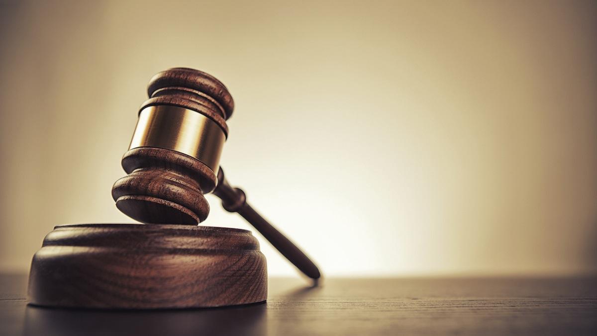 """Одному з бійців  """"Правого сектору"""" під час судового засідання у Мукачеві стало зле"""