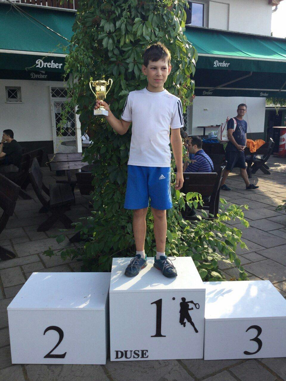 Тячівець Ігор Шишмарьов став переможцем тенісного турніру в Угорщині