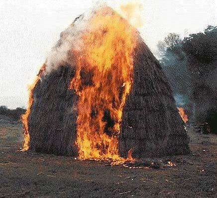 У Доробратові горіла надвірна споруда