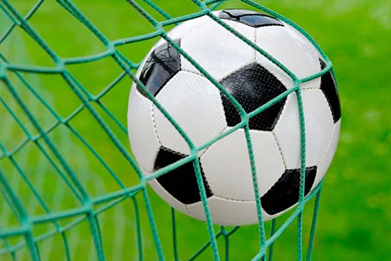 У перерві під час футбольного матчу на Закарпатті помер головний суддя поєдинку