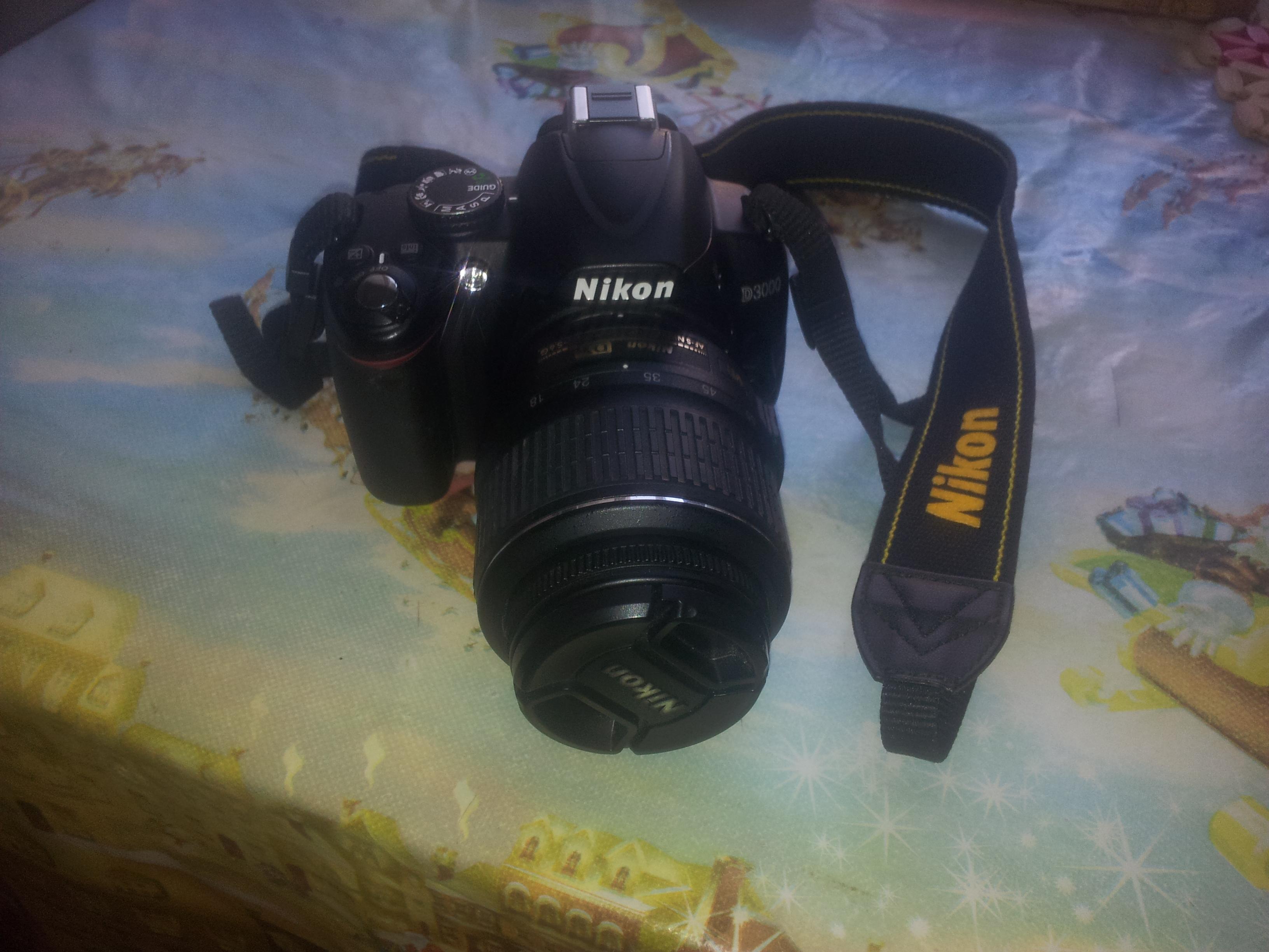 Продам фотоапарат Nikon D 3000