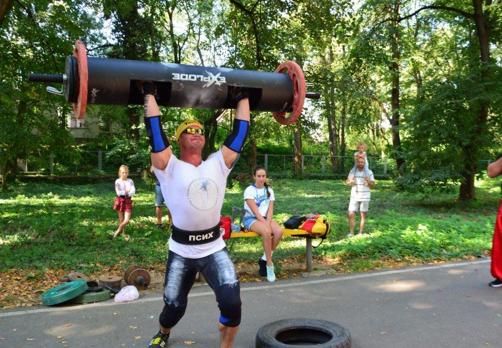 В Ужгороді закарпатські стронгсмени показали вищий клас спортивної майстерності