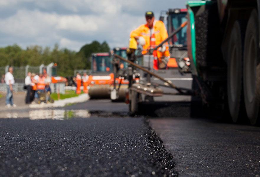 На Закарпатті починається відновлення дороги, яка не ремонтувалася понад 25 років