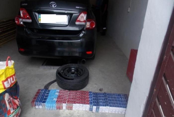 Прикордонники не пропустили до Словаччини автомобіль з 320 пачками контрабандних цигарок