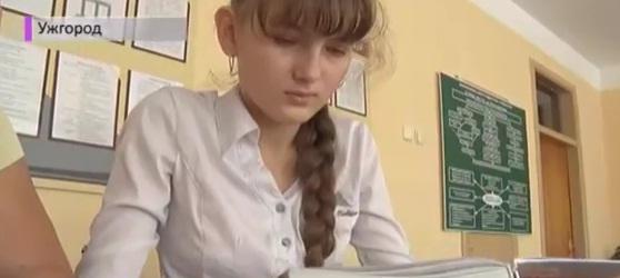 Шанс на нормальне життя. У школярки з Ужгорода фіксують по 10-15 приступів епілепсії на день(ВІДЕО)