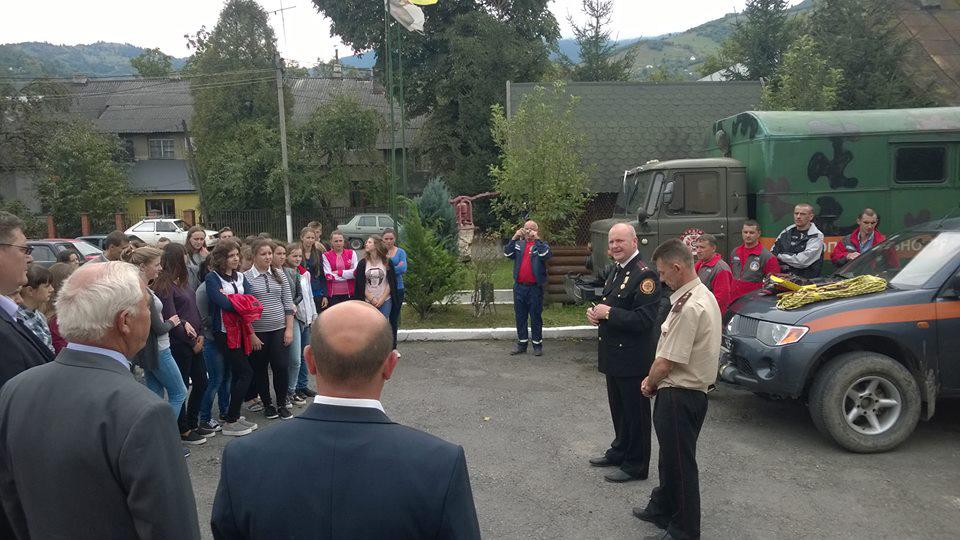 Рахівські рятувальники провели День відкритих дверей