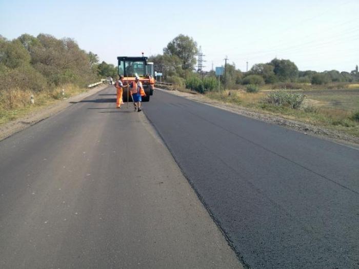 """Такі суми на ремонт закарпатських доріг ще не виділялися: космічна сума на ремонт дороги """"Мукачево – Рогатин"""""""