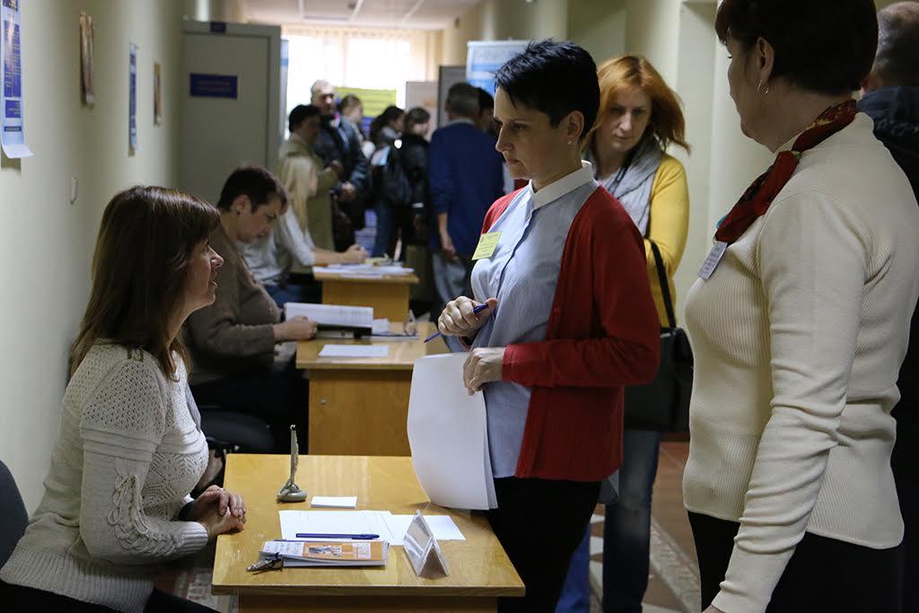 Понад 35 підприємств Закарпаття та Західного регіону презентували свої вакансії для бажаючих знайти роботу