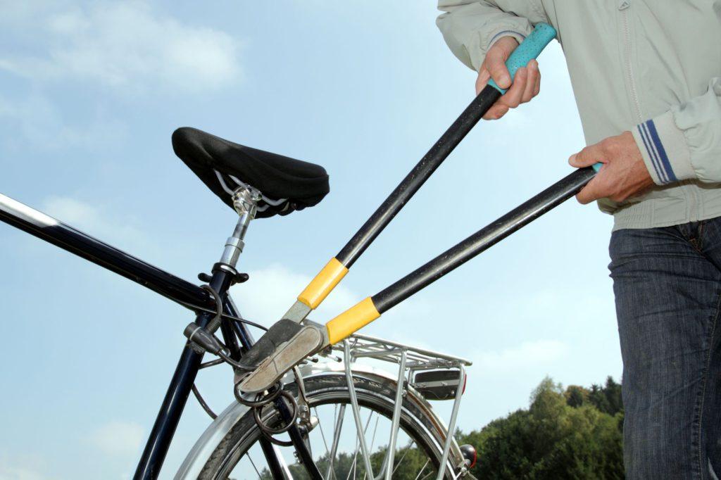 У Мукачеві з подвір'я церкви вкрали велосипед