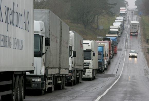 На кордоні з Румунією утворилась черга з вантажних автомобілів
