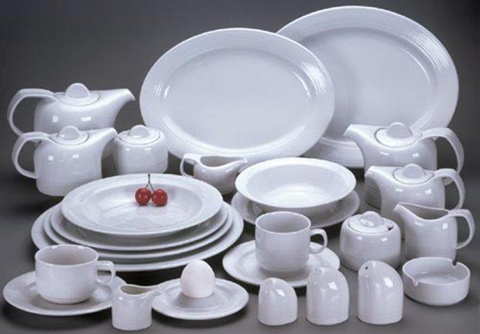 Школярі у Мужієві за меценатську допомогу отримали новий посуд