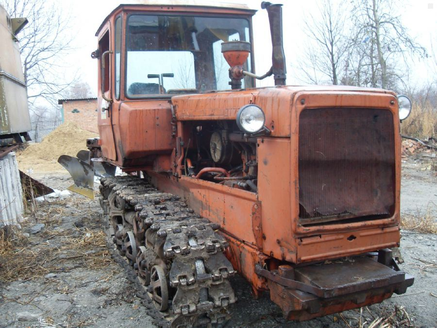 На Воловеччині трагічно загинув тракторист