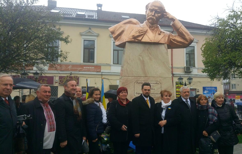 Очільник Закарпаття побував на відкритті погруддя Тараса Шевченка у сусідній Румунії
