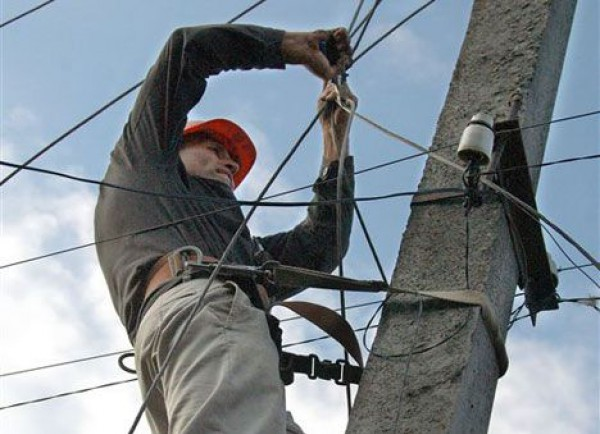 На кількох вулицях Ужгорода можливі перебої з електропостачанням