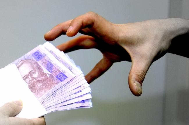 На Тячівщині СБУ піймала на хабарі двох поліцейських