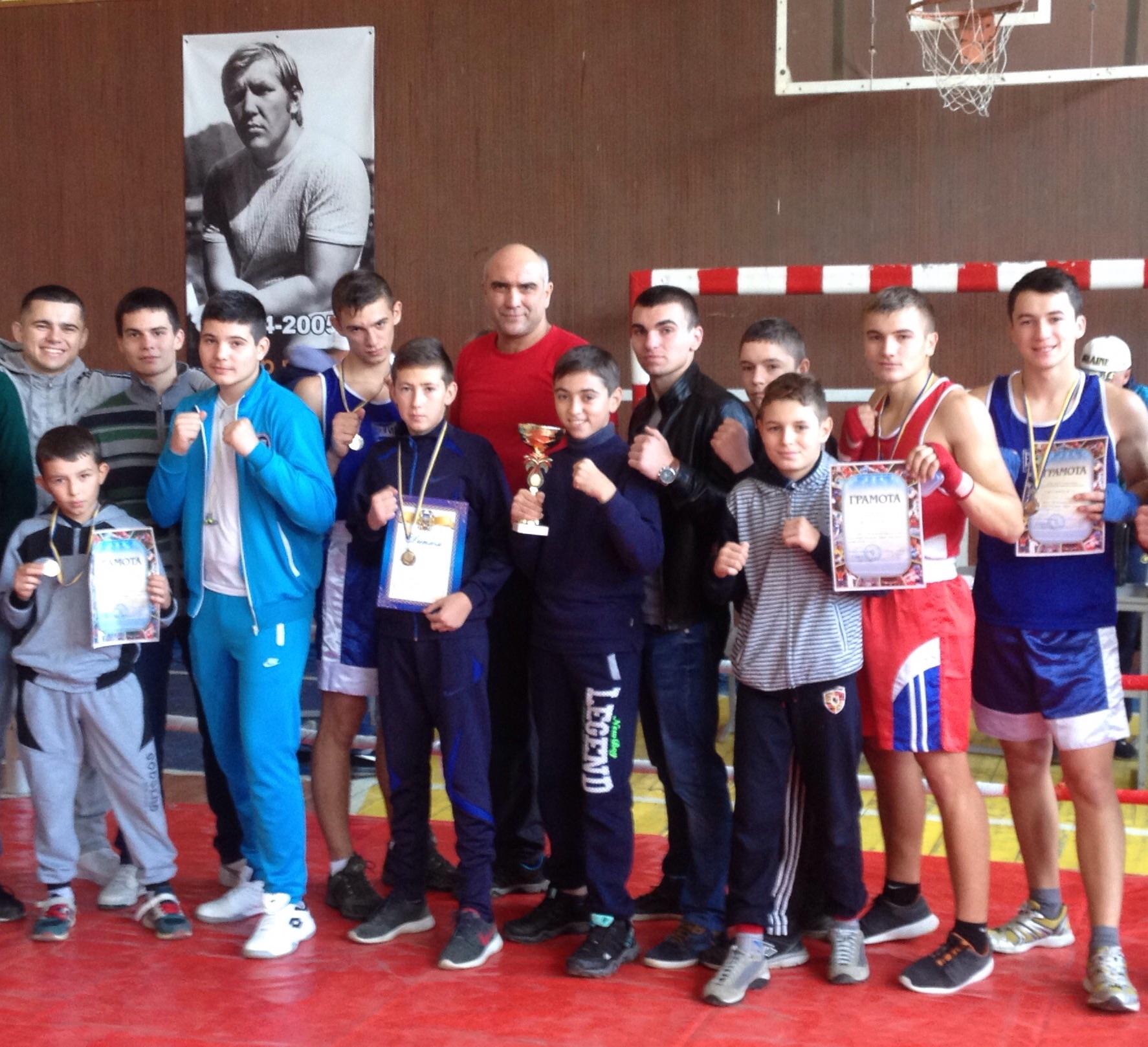 У Хусті відбувся масштабний боксерський турнір