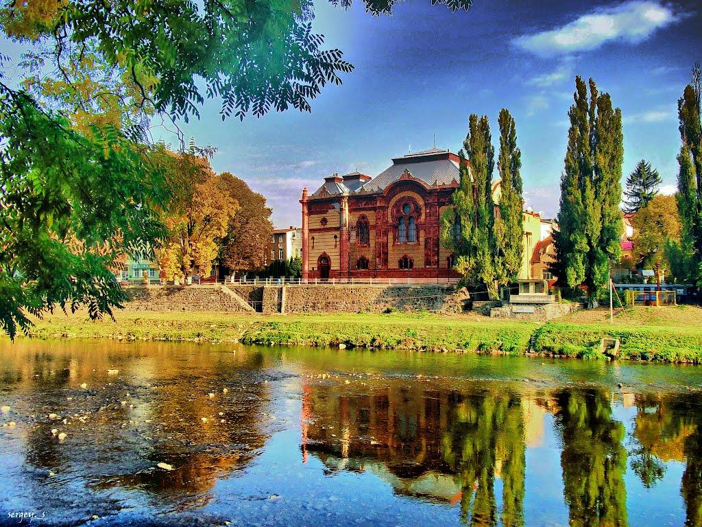 Ужгород увійшов до рейтингу ТОП-10 демократичних міст України, Мукачево – серед найгірших