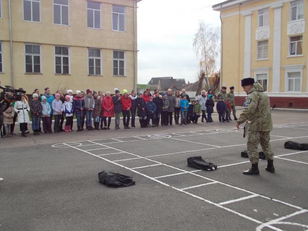 В гості до закарпатських прикордонників завітали діти з Києва