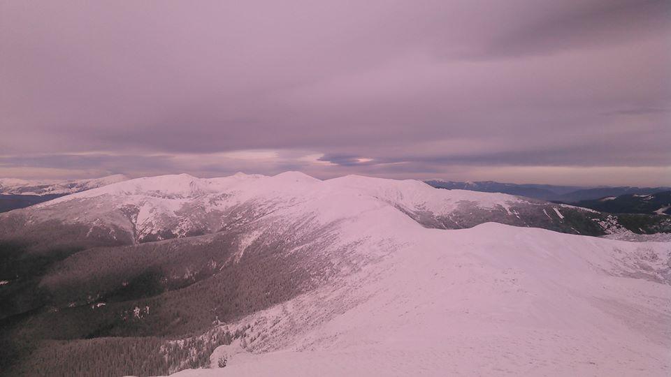 Вершина Піп Іван, що на Закарпатті, вже вкрита 40-cантиметровим шаром снігу