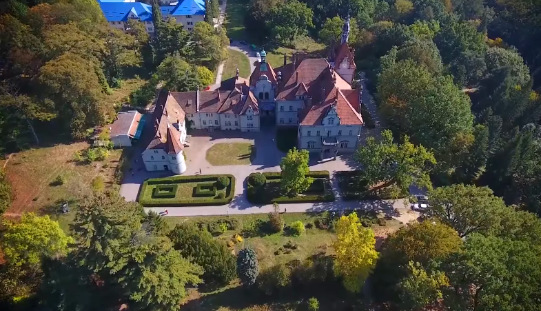 На Закарпатті існує єдиний в Україні замок, який точно відтворює астрономічний календар