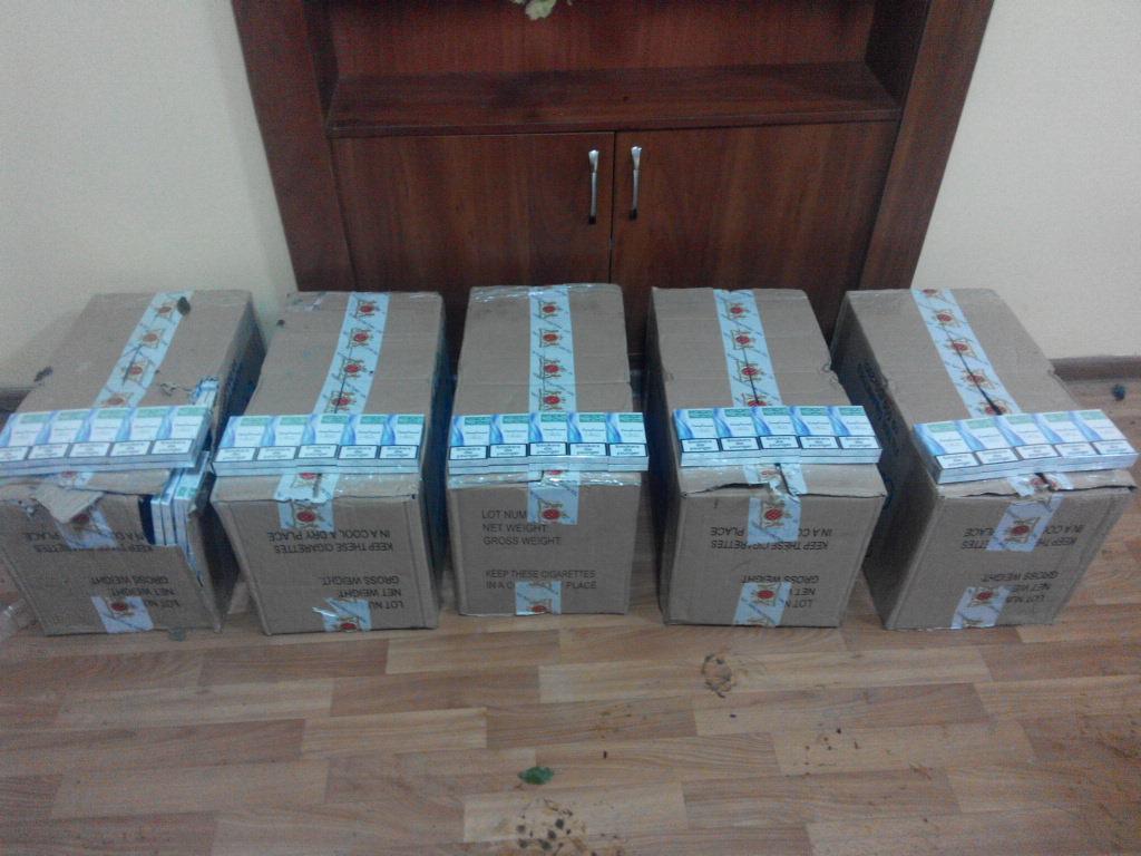 """Прикордонники відділу """"Лужанка"""" запобігли переміщенню через кордон 3000 пачок контрабандних цигарок"""