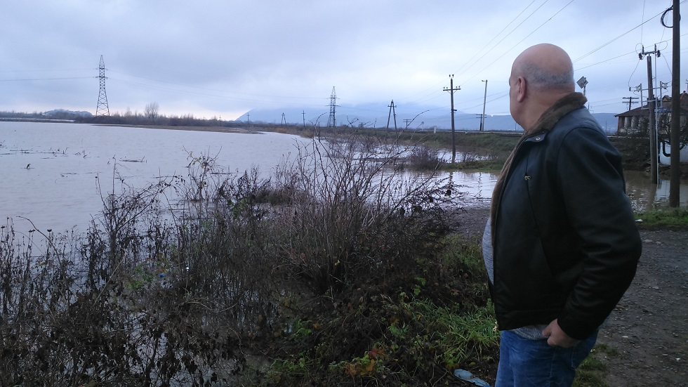 Угорщина обурилась через масу сміття, отриманого разом із паводковими водами. На черзі Словаччина?