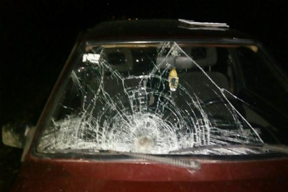 П'яний 24-річний хлопець збив чоловіка, після чого втік, покинувши і авто, і потерпілого