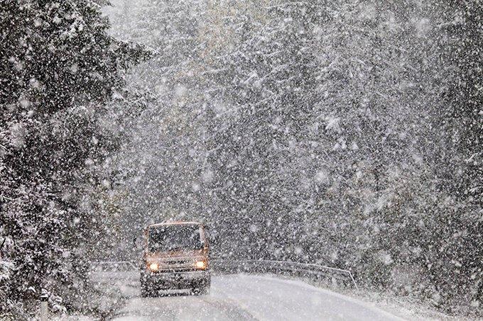 У горах сильний сніг і замети, на низовині – дощ з переходом в мокрий сніг: на Закарпаття насувається негода