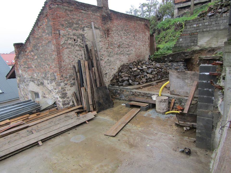 Чоловік підкопував в Ужгороді гору, на якій розташовані греко-католицький собор, замок та інші споруди історичного центру