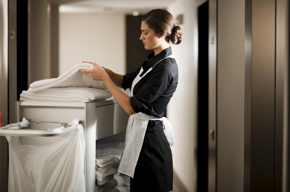В Ужгороді працівниця готелю обікрала іноземних студентів
